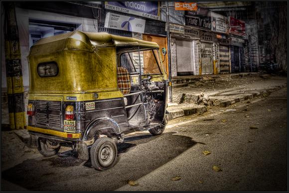 tuktukHDR